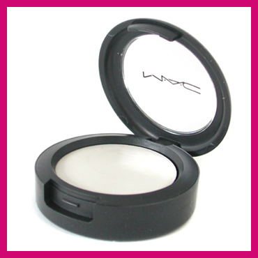 MAC Cream Color Luna