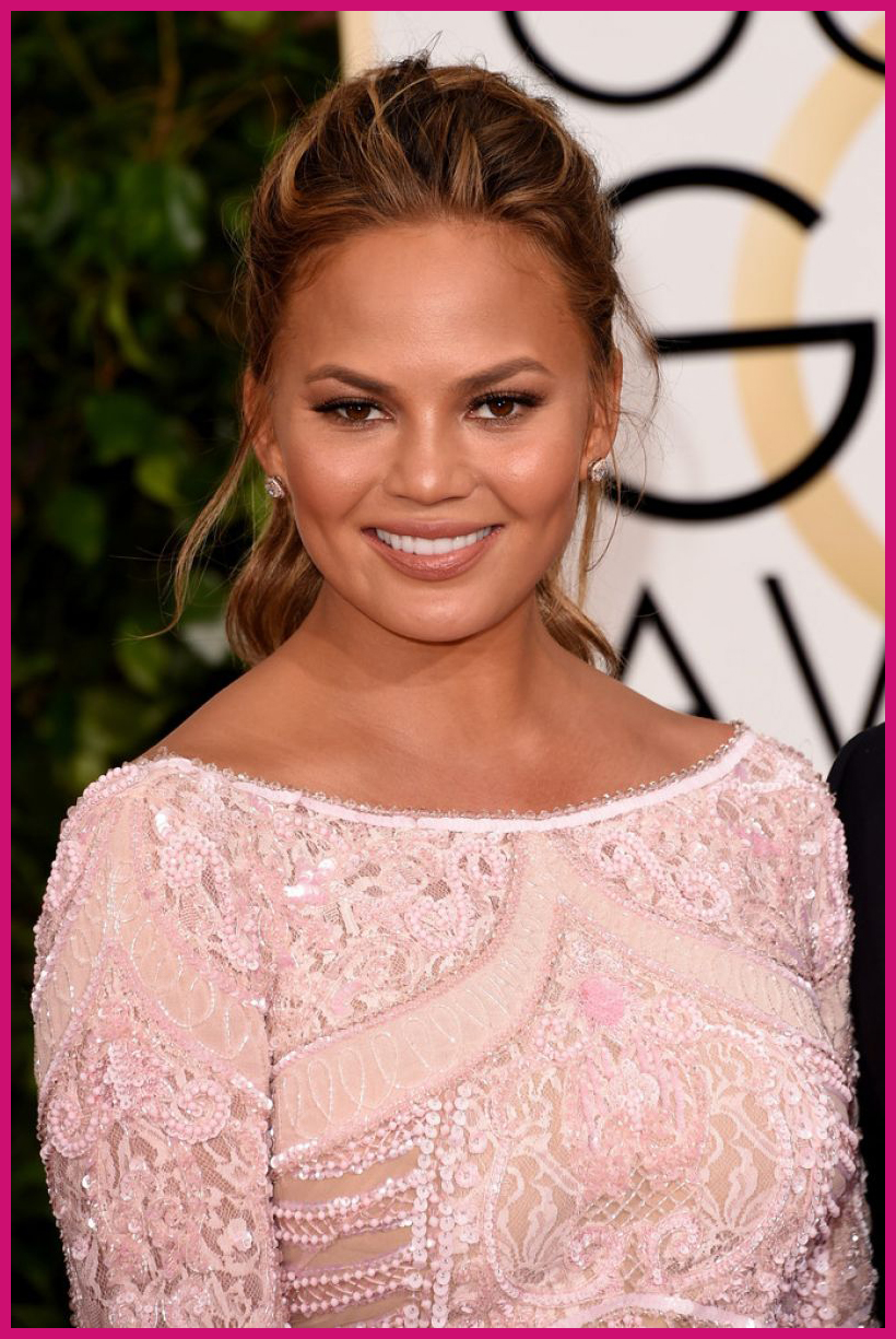 Chrissy Teigen Golden Globes 2015