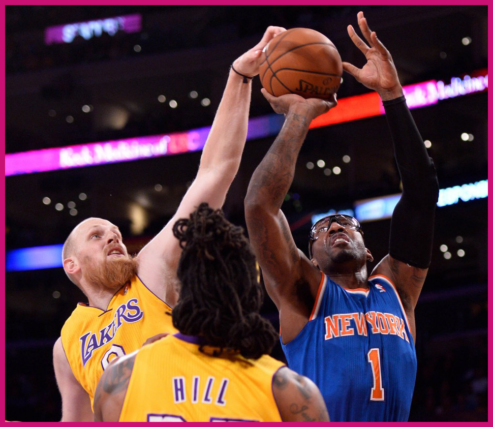 442802-nba-new-york-knicks-at-los-angeles-lakers